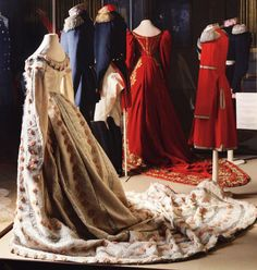 The wonderful court dress worn by Princess Dagmar of Denmark, known after her conversion to Orthodox Church as Maria Fyodorovna, at the occassion of her engagement to Tsesarevich Alexander Alexandrovich of Russia, as seen in the detail of Mihály Zichy´s painting of the event.