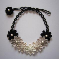 レース編みお花のネックレス