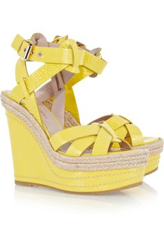 Obsessing over yellow shoes! Mulberry #shoeoftheday