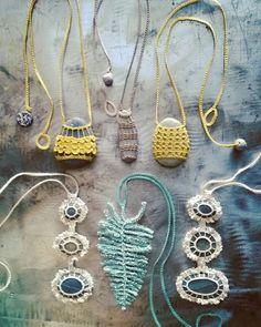 Nature necklaces.   www.monicaj.etsy.com Textile Jewelry, Macrame Jewelry, Stone Jewelry, Crochet Quilt, Crochet Art, Crochet Patterns, Collar Hippie, Crochet Stone, Stone Crafts