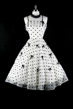 Vintage black and white and adorable all over.