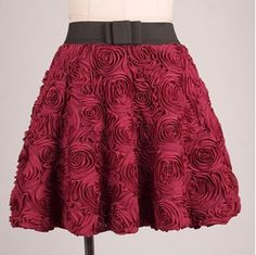 The seasons shall put on a large dimensional rose flowers Butterfly Festival retro wine red wild black bust Puff skirt