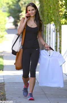 Pin for Later: Jordana Brewster Demonstrates the Struggle of Going to the Gym After Work Brunette Actresses, Most Beautiful Hollywood Actress, Dramatic Classic, Hot Brunette, Going To The Gym, Trendy Hairstyles, Hollywood Actresses, Body Shapes, Celebrity Style