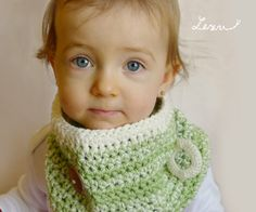 Pistachio and cream ombre crochet toddler cowl with by LezuArt, Kč300.00
