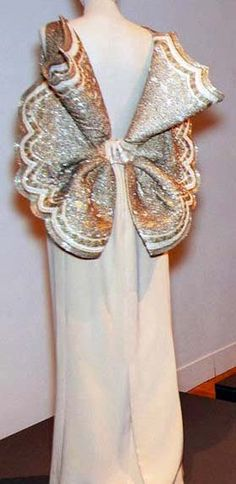 Roberto Capucci - Haute Couture - Robe 'Sculpture' - Noeud