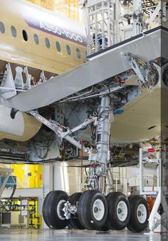 A350-1000 landing Gear.