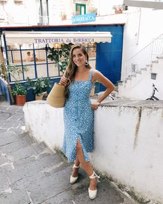 Daily Look (night out) - Gal Meets Glam Espadrilles Outfit, Castaner Espadrilles, Spring Summer Fashion, Spring Outfits, Winter Fashion, Dresses Near Me, Ootd, Gal Meets Glam, Pageant Dresses