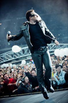 U2 ~ Bono in Paris, 360 Tour