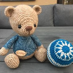 "22 Me gusta, 1 comentarios - Henny Fiserova (@henny.crochet) en Instagram: ""#christmasdecor #crochetteddy #kristitulluspattern"""