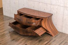 Get this amazing resource that's full of Cool Woodworking Projects & Wood Crafts. Unusual wood craft designs & Great value to put your skills to the test. Funky Furniture, Art Furniture, Unique Furniture, Wooden Furniture, Furniture Design, Furniture Projects, Luxury Furniture, Japanese Furniture, Dresser Furniture