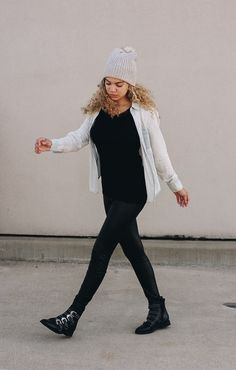 Want to dress like a model but don't know how? Here are 9 easy outfits to copy to dress like a model. Pop Punk Fashion, Fall Fashion Outfits, Fashion Models, Winter Outfits, Fashion Dresses, Fashion Tips, Fashion Capsule, Fashion Hacks, Fashion Wear