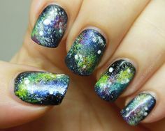 galaxy nails Christmas Nails, Christmas And New Year, Galaxy Nail Art, Nail Photos, Sparkly Nails, Get Nails, Cosmetology, Really Cool Stuff, Beauty Hacks