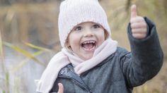 Ruotsin hovi on julkaissut verkkosivuillaan syksyisiä kuvia helmikuussa neljä vuotta täyttävästä prinsessa Estellestä.