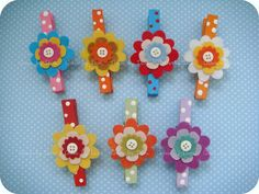 Prendedores decorados by Artes by Dani, via Flickr                                                                                                                                                      Mais