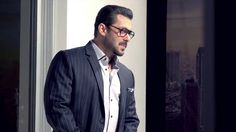 Salman Khan sizzles in the Image Eyewear Ad shoot and we can't deny!