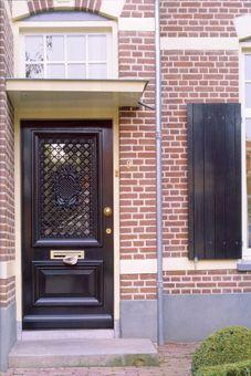 House Entrance, Entrance Doors, Door Design, House Design, Porch Overhang, Iron Doors, Exterior House Colors, Home Design Plans, House Front