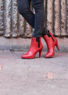 Coquelicot Leather Ankle Boots
