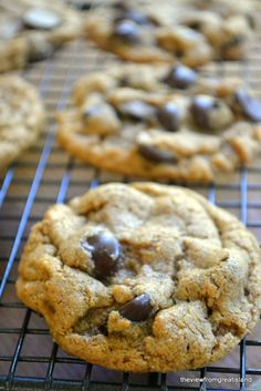 It was a HUGE eye opener for me when I realized you don't need ANY FLOUR OR BUTTER to make moist, chewy, amazing chocolate chip cookies!