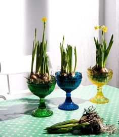 Start early:  check thrift shop for glasswear  DIY: 53  amazing ideas of spring table decoration