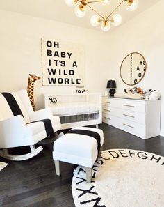 Baby Boy Nursery Room İdeas 639300109586551987 - This Black and White Nursery Has All the Gender-Neutral Design Inspiration You Need Source by theeverymom Baby Bedroom, Baby Boy Rooms, Baby Nursery Decor, Baby Boy Nurseries, Nursery Room, White Nursery Furniture, Boy Nursey, Elephant Nursery, Nursery Inspiration