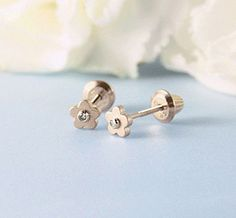 Baby and toddler's 14kt yellow gold flower-shaped earrings with genuine diamonds