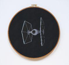 TIE Fighter Star Wars Cross Stitch Pattern Imperial por Stitchering