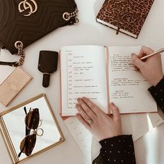 Productivity Hacks Our Editors Use Every Single Day Fashion Business, Business Women, Business Attire, Business Major, Business Formal, Business Professional, Professional Women, Online Business, Dream Job