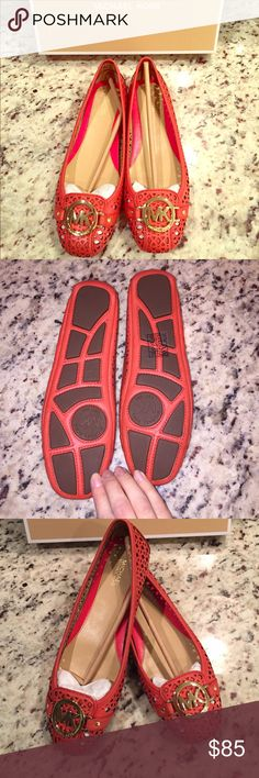 BNWT Michael KORS Fulton flats !!!!😍 This is a great pair of NWT authentic Michael KORS Fulton style flats ! The color is a beautiful burnt orange and they have the MK gold emblem on the front. They are size 7.5 . Retail price is 110.00. I am open to offers and possible trades 😊😊 Michael Kors Shoes Flats & Loafers