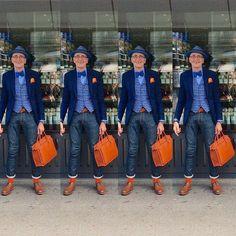 #Zürich #mypicard #travelbag #streetart #streetphotography #dandy #bestager #dapper #sprezzatura  #bestdressed #menswear #fashion #dappermen #picardlederwaren #menwithstyle #bowtie #hat #dandylook #vest