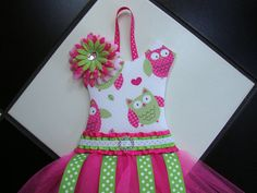 Boutique Tutu Hair Bow Holder   somethinchicboutique  Finally! A way to organize the basket of bows!!