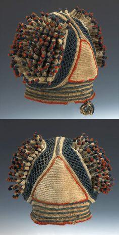 man's prestige hat, Bamun or Bamileke people of Cameroon century, cotton and wool, crochet African Hats, Tribal Hair, Knit Crochet, Crochet Hats, Ethno Style, Art Premier, Fancy Hats, African Textiles, Saint Laurent