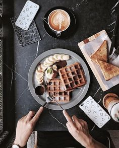 Waffles for breakfast I'm in! Breakfast And Brunch, Breakfast Recipes, Breakfast Dishes, Açai Bowl, Waffles, Snacks, Aesthetic Food, Recipe Of The Day, Junk Food