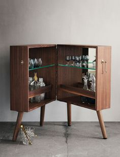 Oliver Bar cabinet / BOLIA