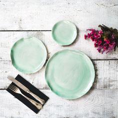 Pazar kahvaltılarına yakışan renk tonlarıyla, özel tasarım seramik tabaklar puuku.com'da #seramiktabak #tabak #dekorasyon