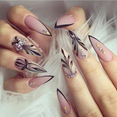 For those who like delicate nail design, Stiletto Nails are becoming a trend! More and more women choose this Stiletto Nail Designs! As far as nail art is concerned, stiletto style nails is a good reflection. They are basically elliptical, but at t Edgy Nails, Pink Nails, Cute Nails, Pretty Nails, Grunge Nails, Elegant Nails, Stiletto Nail Art, Acrylic Nails, Nail Nail