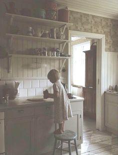Happiness is Homemade Plain English Kitchen, Swedish Kitchen, Swedish Cottage, Old Kitchen, Vintage Kitchen, Kitchen Rustic, Victorian Kitchen, Handmade Kitchens, Kitchen Stories