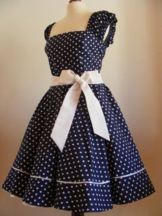 19 ideas baby fashion dress polka dots for 2019 Frocks For Girls, Dresses Kids Girl, Kids Frocks Design, Baby Girl Dress Patterns, Frock For Women, Latest African Fashion Dresses, Frock Design, Kids Fashion, Fashion Outfits