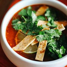 Chipotle Chicken Tortilla Soup - Eat Yourself Skinny Chipotle Chicken, Chicken Tortilla Soup, Healthy Chicken, Chicken Soups, Healthy Soup Recipes, Healthy Snacks For Kids, Healthy Baking, Skinny Recipes, Healthy Meals