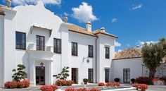 Finca Cortesin Hotel Golf & Spa Casares This luxury hotel and spa, with its own championship golf course, is a 5-minute drive from Bahía de Casares Beach. It features 2 outdoor pools and a private beach club with infinity pool, restaurant and bar.