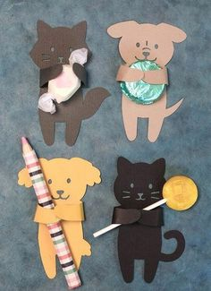 Summer Animal Treat Huggers - Lia Griffith DIY Summer Candy Huggers from Michaels Makers Lia Griffit Cat Birthday, Birthday Cards, Birthday Design, Birthday Presents, Free Birthday, Summer Birthday, Party Summer, School Projects, Projects For Kids