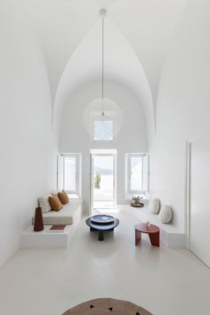 """stylish-homes: """" Minimal living room in an architect refurbished cave house on the Greek island of Santorini """" Interior Design Minimalist, Home Interior Design, Interior Architecture, Modern Minimalist, Room Interior, Interior Ideas, Interior Plants, Minimalist Lifestyle, Contemporary Interior"""