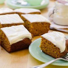 Pumpkin Bread with Cream Cheese Icing (David Venable QVC) Recipe Just Desserts, Delicious Desserts, Dessert Recipes, Yummy Food, Pumpkin Recipes, Pumpkin Foods, Fall Recipes, Fall Baking, Baking Pan