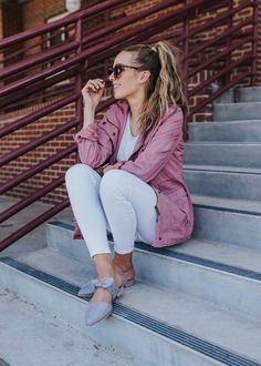 Basic Outfits, Jean Outfits, Grunge Outfits, Pink Anorak Jacket, White Jeans Outfit, Tokyo Street Style, Instagram Outfits, Business Casual Outfits, White Denim