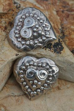 VINTAGE MEXICAN MEXICO TAXCO LARGE REPOUSSE HEART 925 SILVER CLIP ON EARRINGS