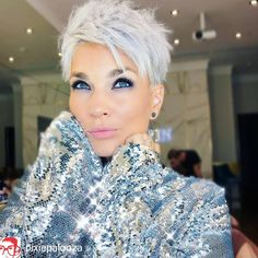 Beautiful Pixie Cuts for Older Women 2019 – The UnderCut Beautiful Pixie Cuts for Older Women 2019 – The UnderCut,Short hair styles Pixie-Haircut Beautiful Pixie Cuts for Older Women 2019 Related Neueste Kurzhaarschnitte. Women Pixie Haircut, Pixie Haircut For Thick Hair, Funky Short Hair, Haircut For Older Women, Short Grey Hair, Short Pixie Haircuts, Older Women Hairstyles, Short Hair Cuts For Women, Cool Hairstyles