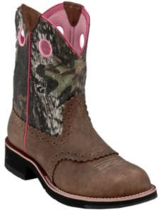I want these :) May be my 4th pair of boots lol