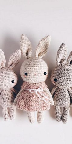 So cute kawaii Amigurumi crochet Bunny pattern. Find more of the best curation of Amigurumi crochet patterns inspiration for your next craft project Crochet Amigurumi Free Patterns, Crochet Dolls, Knit Crochet, Crochet Rabbit Free Pattern, Easter Crochet Patterns, Crochet Baby Toys, Crochet Appliques, Crocheted Toys, Crocheted Flowers