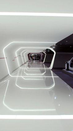 Curso Infoarquitectura 3D Virtualización 3D de proyectos arquitectónicos para visitas virtuales interactivas. El curso es una extensión del Básico, profundizando en campos como: Modelado de elementos arquitectónicos complejas. http://linformatik.es/blog/category/cursos/?lang=es