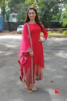 Tamanna Bhatia In Sabyasachi Mukherjee (5)