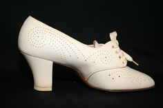 1930s nurse shoes
